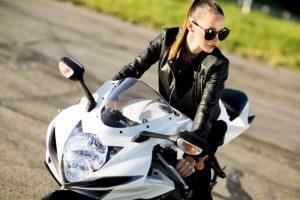 白いバイク