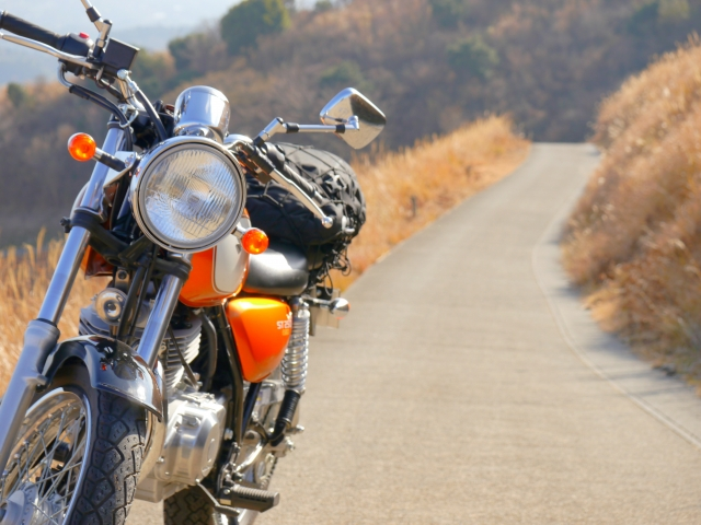 バイクと道
